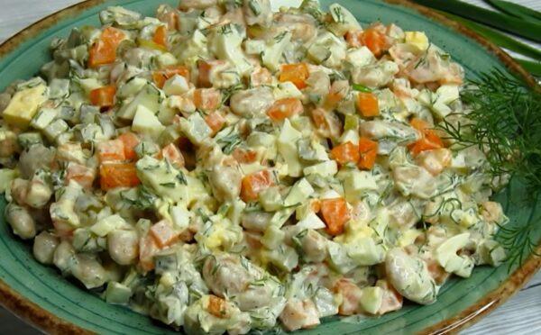 Салат за 5 минут. Настолько вкусный, что на столе не остается. Такой можно и каждый день
