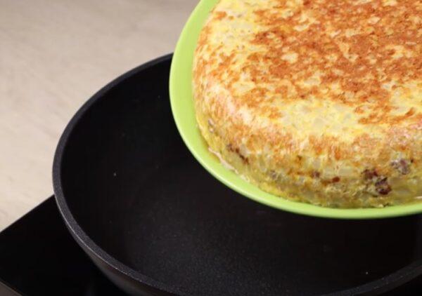 Рецепт из картофеля! Даже остыть не успеет: быстро, сочно и вкусно