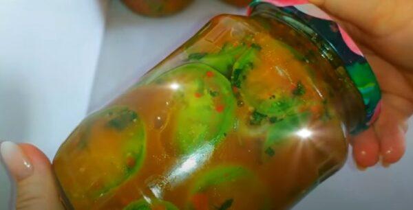 Знала бы раньше приготовила бы больше в том году. Зеленые помидоры по-грузински. Буду закатывать много порций